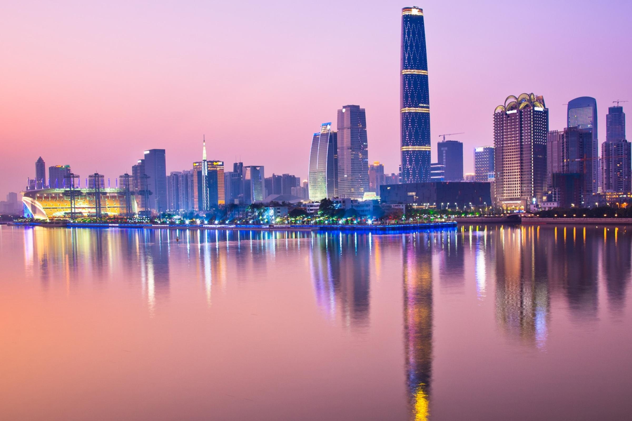 Вечерний неоновый Гуанчжоу