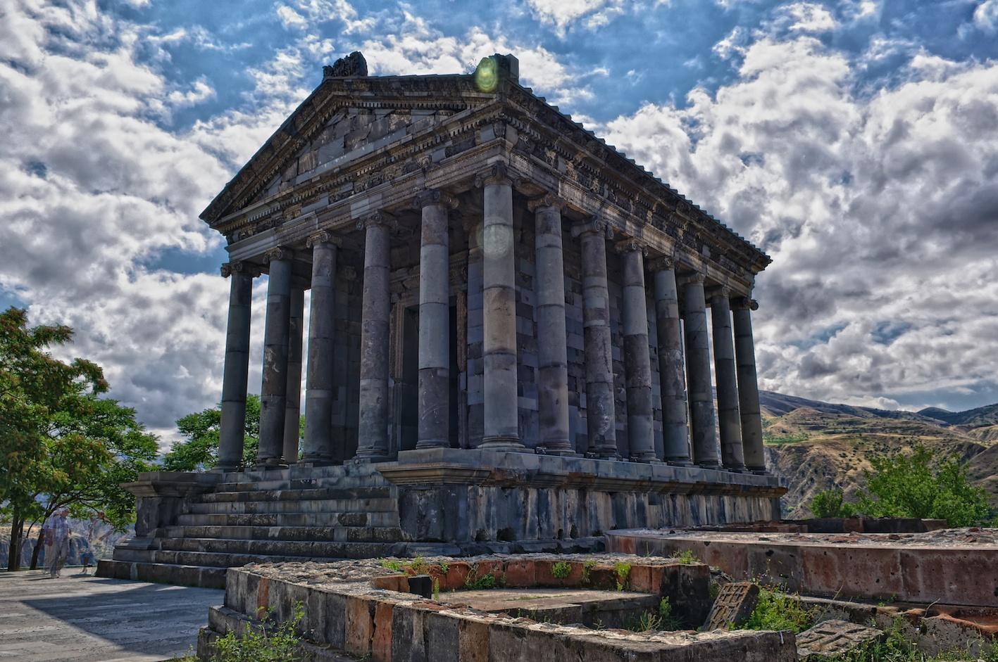 Озеро Севан-Храм Гарни-Выпечка Лаваша-Монастырь Гегард