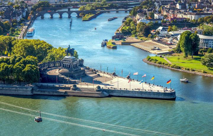 Две реки: Мозель и Рейн.