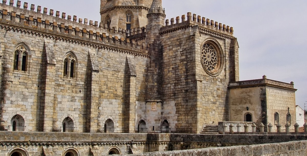 Центральная Португалия, Алентежу, Эвора