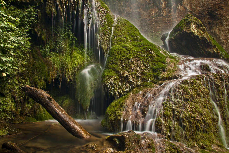 Крушунские водопады и Деветашская пещера