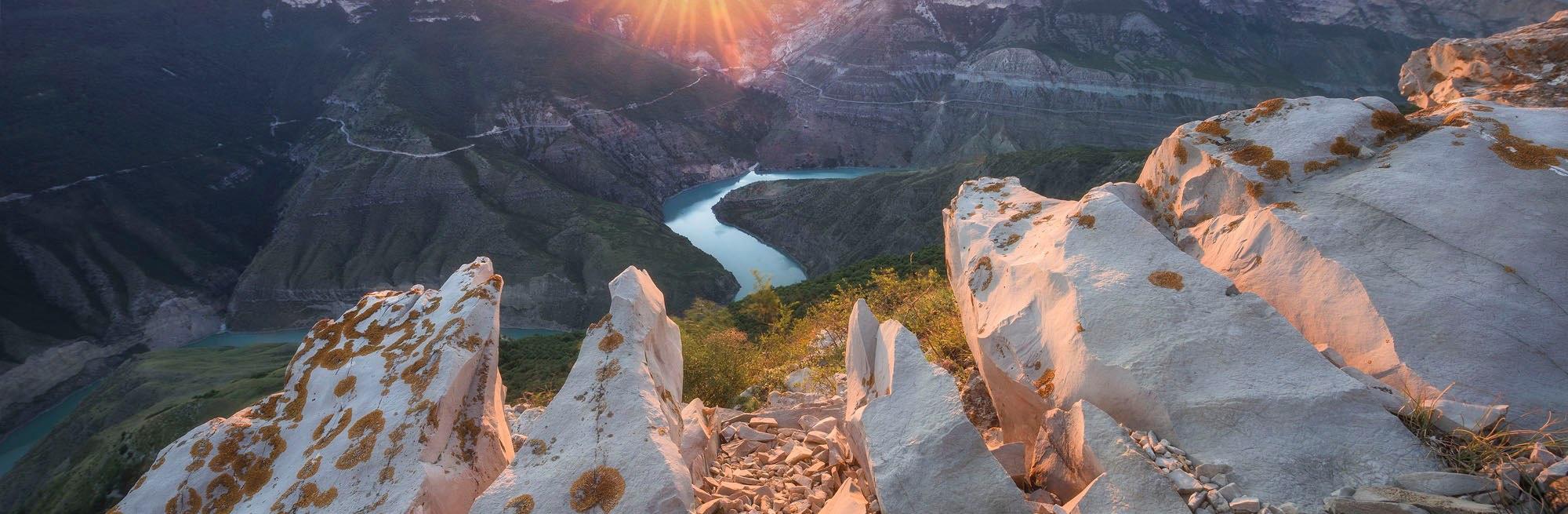 Сулакский каньон с прогулкой на катере и бархан Сары-кум