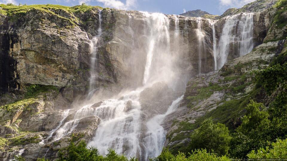 Архыз : Софийские водопады и Аланское городище