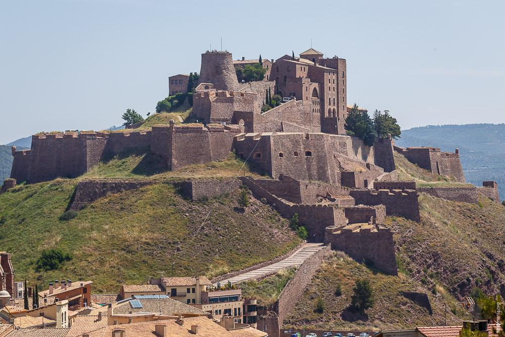 Замок Кардоны и Соляная Гора