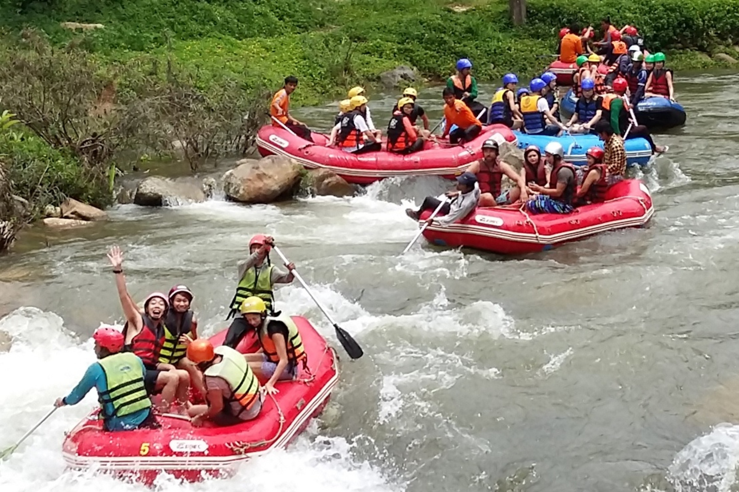 Рафтинг по горной реке и посещение Храма Обезьян