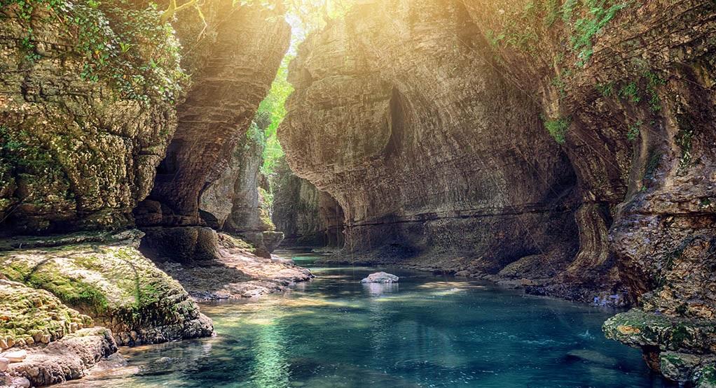 Фантастическая пещера Прометея и Каньоны Имерети