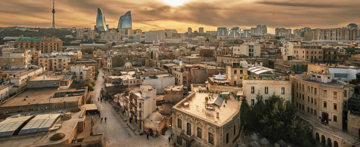 Тур по ночному Баку