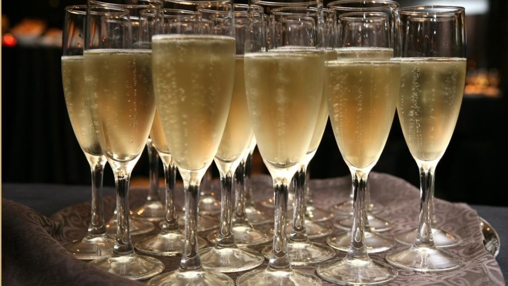 Ситжес и Погреба Шампанского (Кава)