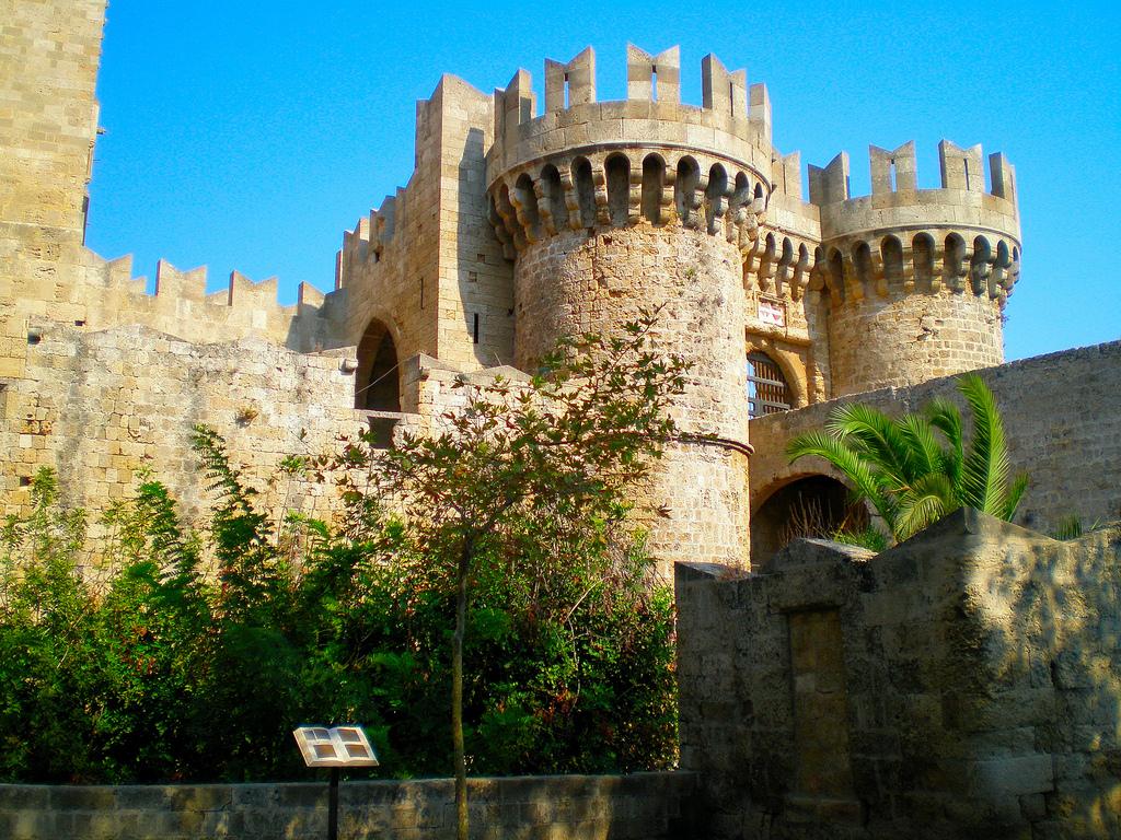 Город Родос в тени тысячелетий