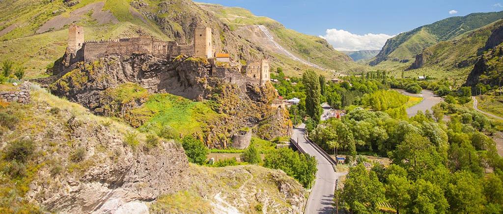 Вардзиа – выкованный в скалах город и многоликая крепость Рабат