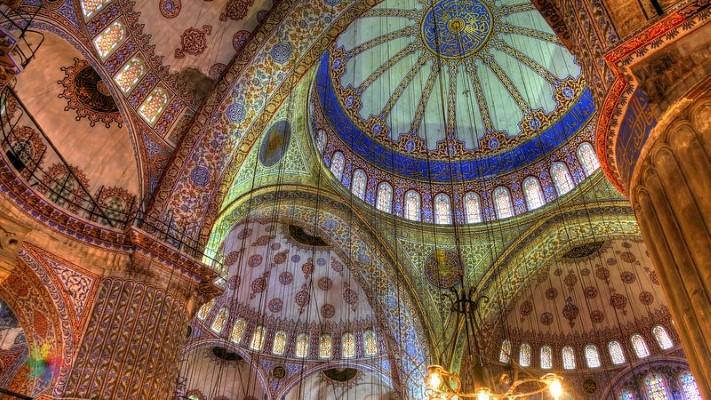 Дворцы Султанов