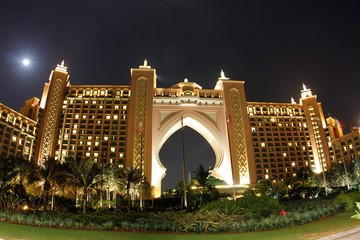 Индивидуальная обзорная экскурсия ночной Дубай с прогулкой на катере