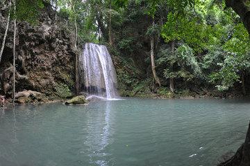 Экскурсия на реку Квай с водопадом Эраван (2 дня)