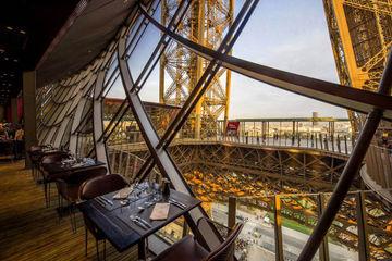 Обзорная по Парижу + Обед на Эйфелевой башне