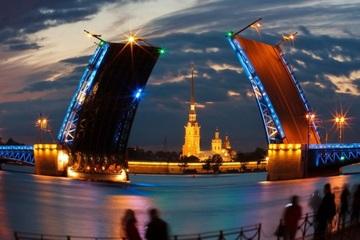 Петербург в свете ночных огней