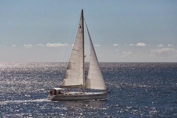 Морская прогулка под парусами на яхте ALEAL