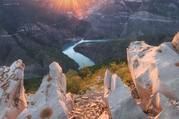 Сулакский каньон и бархан Сары-кум