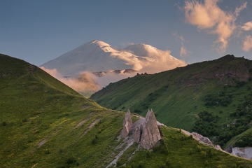 Рассвет на плато Бермамыт и невероятный Джилы-Су