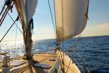 Индивидуальная морская прогулка на яхте BLUE JACK