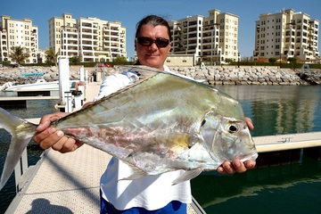 Глубоководная морская рыбалка в Абу-Даби