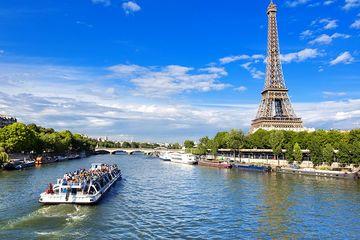 Дневной Париж и прогулка на кораблике