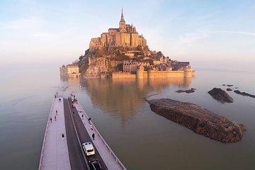 Монт Сен Мишель и Замки Луары из Парижа на 2 дня