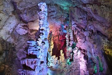 Пещера Бусот и водопады Альгара