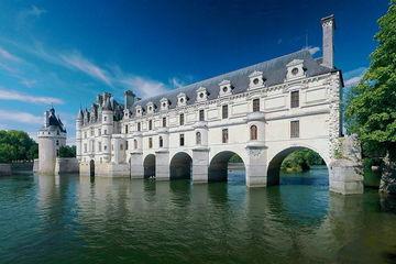 Замки Луары и Нормандия из Парижа на 2 дня